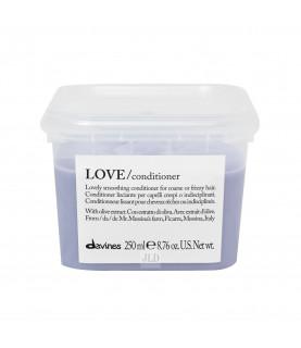 Davines LOVE SMOOTHING odżywka wygładzająca 250 ml