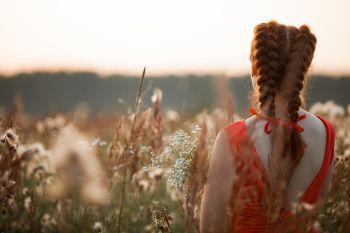 fryzura luźny warkocz