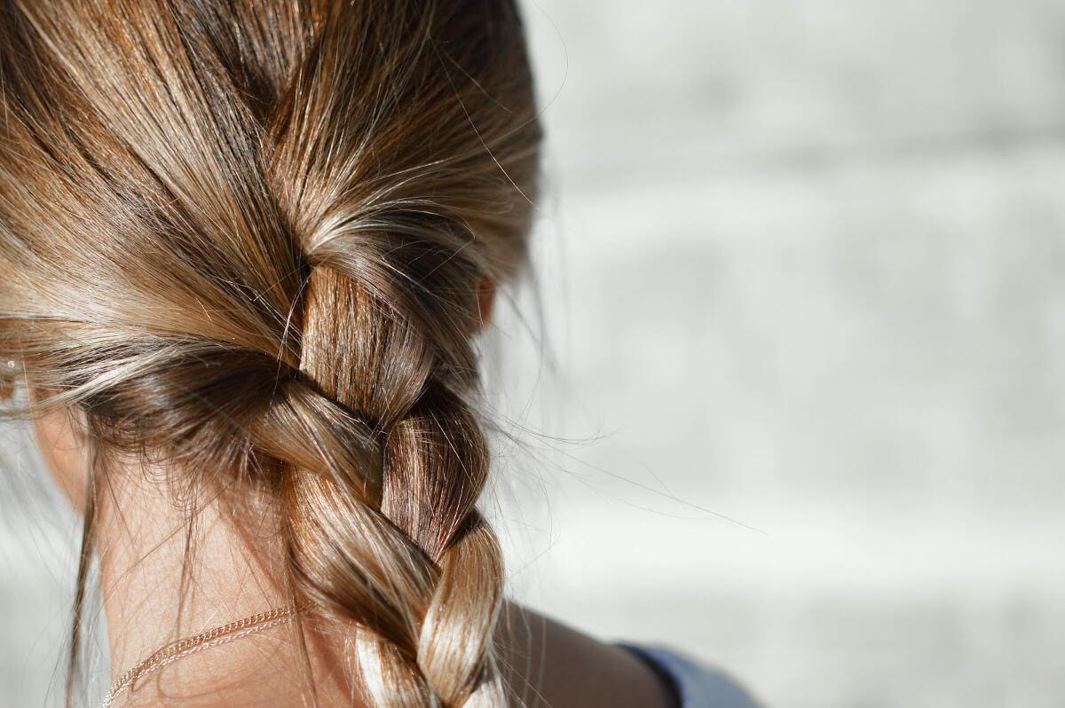 Warkocz, zadbane włosy